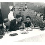 Chongqing, 1942: May-ling (centre) charmed Wendell Willkie (to her right), Roosevelt's personal representative, who invited her to America. Ching-ling (second right), complained privately that she could not get a word in with Willkie. H.H. Kung is between the sisters